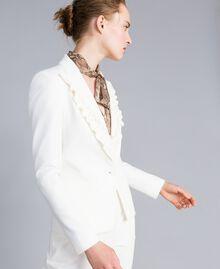 Jacke aus Interlock-Jersey mit Rüschen Weiß Schnee Frau PA821A-01