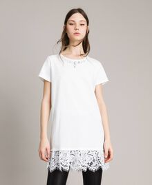 Maxi t-shirt avec broderie et dentelle Crème White Femme 191MP2065-01