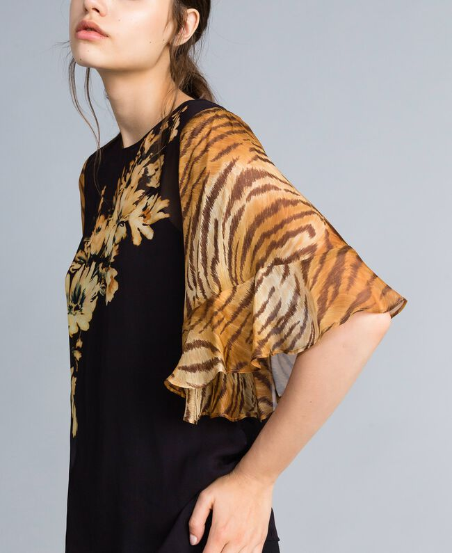 Georgette blouse with mix of prints Flower / Tiger Print Woman TA825D-03