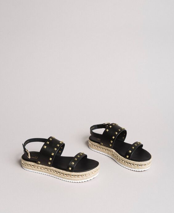 Plateau-Sandalen mit Nieten