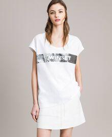 T-Shirt mit Pailletten und Logo Weiß Frau 191TP260E-01