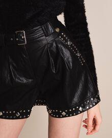 Short en similicuir avec clous Noir Femme 201TT2010-04