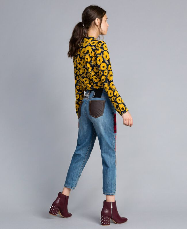 Jeans girlfriend in denim con toppe Denim Blue Donna YA82XA-03
