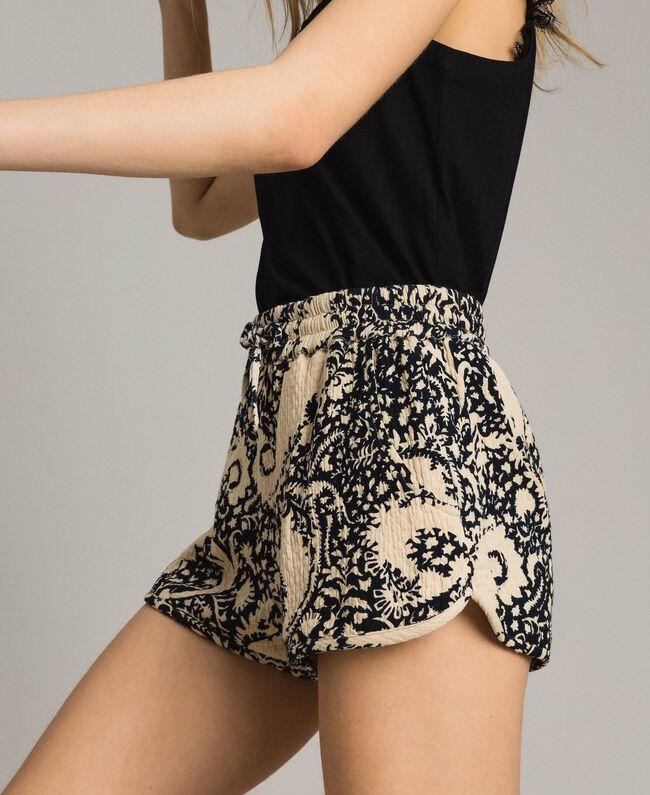 Matelassé-Shorts aus Baumwolle Gestempeltes Motiv Frau 191TT2192-01
