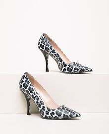 Animal print court shoes Lily Animal Print / Black Woman 201MCP01N-01