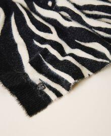 Écharpe avec imprimé animalier Imprimé Zébré Noir / Blanc Crème Femme 202MA4333-03