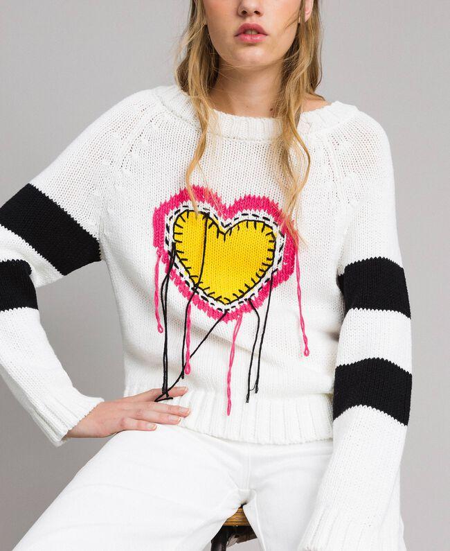 Pullover mit Herzintarsie White Sahne Frau 191MP3021-04