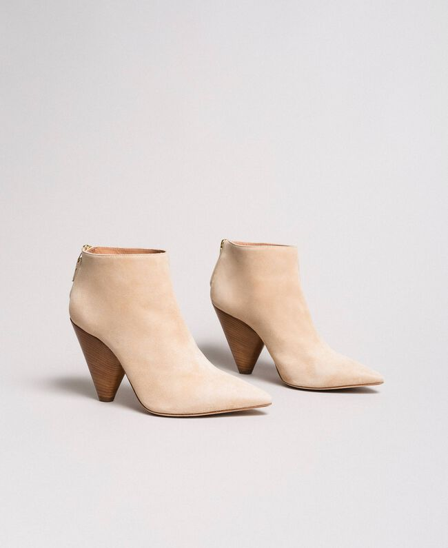 "Suede ankle boots ""Mid Tan"" Brown Woman 191TCP130-01"