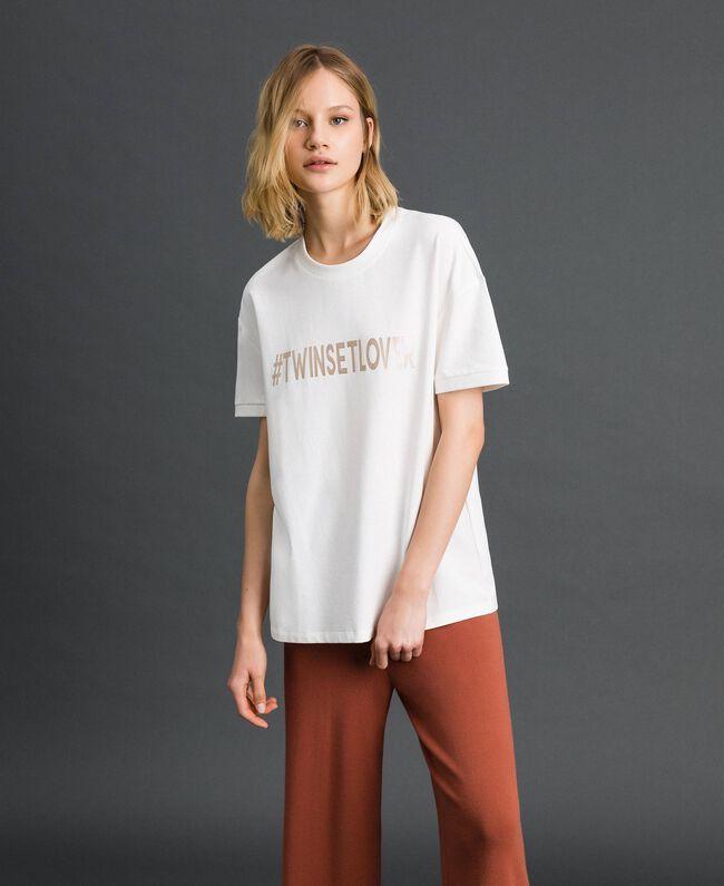 T-Shirt mit Metallic-Print Elfenbein Frau 192LI2RFF-01