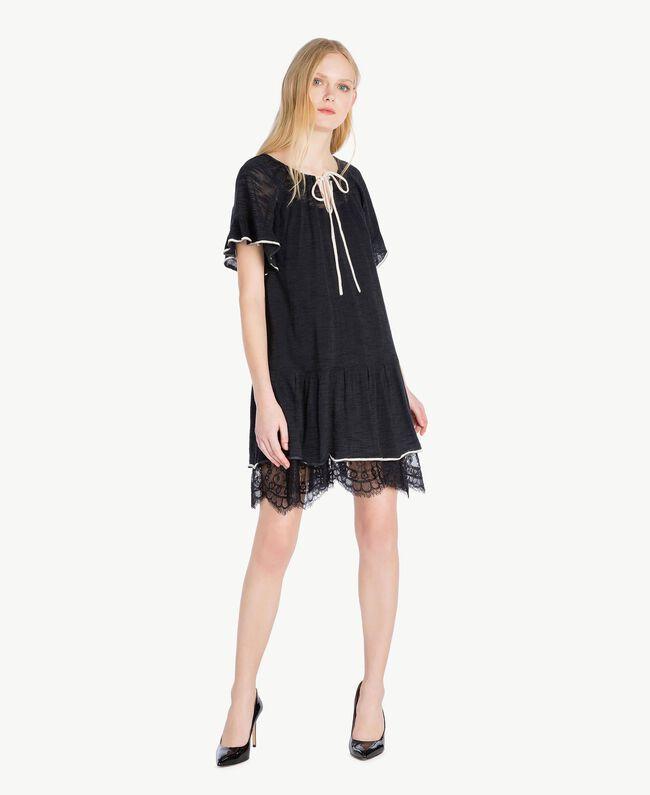 Kleid mit Spitze Zweifarbig Schwarz / Pergamentweiß Frau YS83BC-01