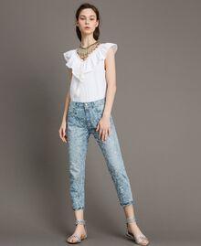 Girlfriend-Jeans mit Lochstickerei Denimblau Frau 191MT2162-0T
