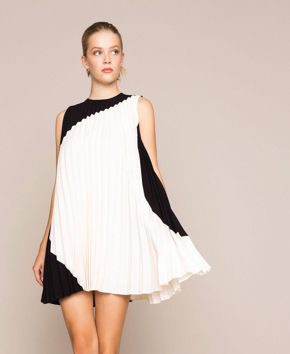 """Pleated crêpe de Chine dress Two-tone """"Silk"""" White / Black Woman 201ST2011-02"""