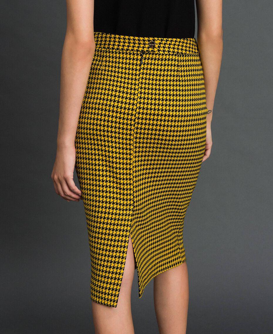 Jupe mi-longue avec motif pied-de-poule Pied de Poule Jaune / Noir Femme 192MT2053-01
