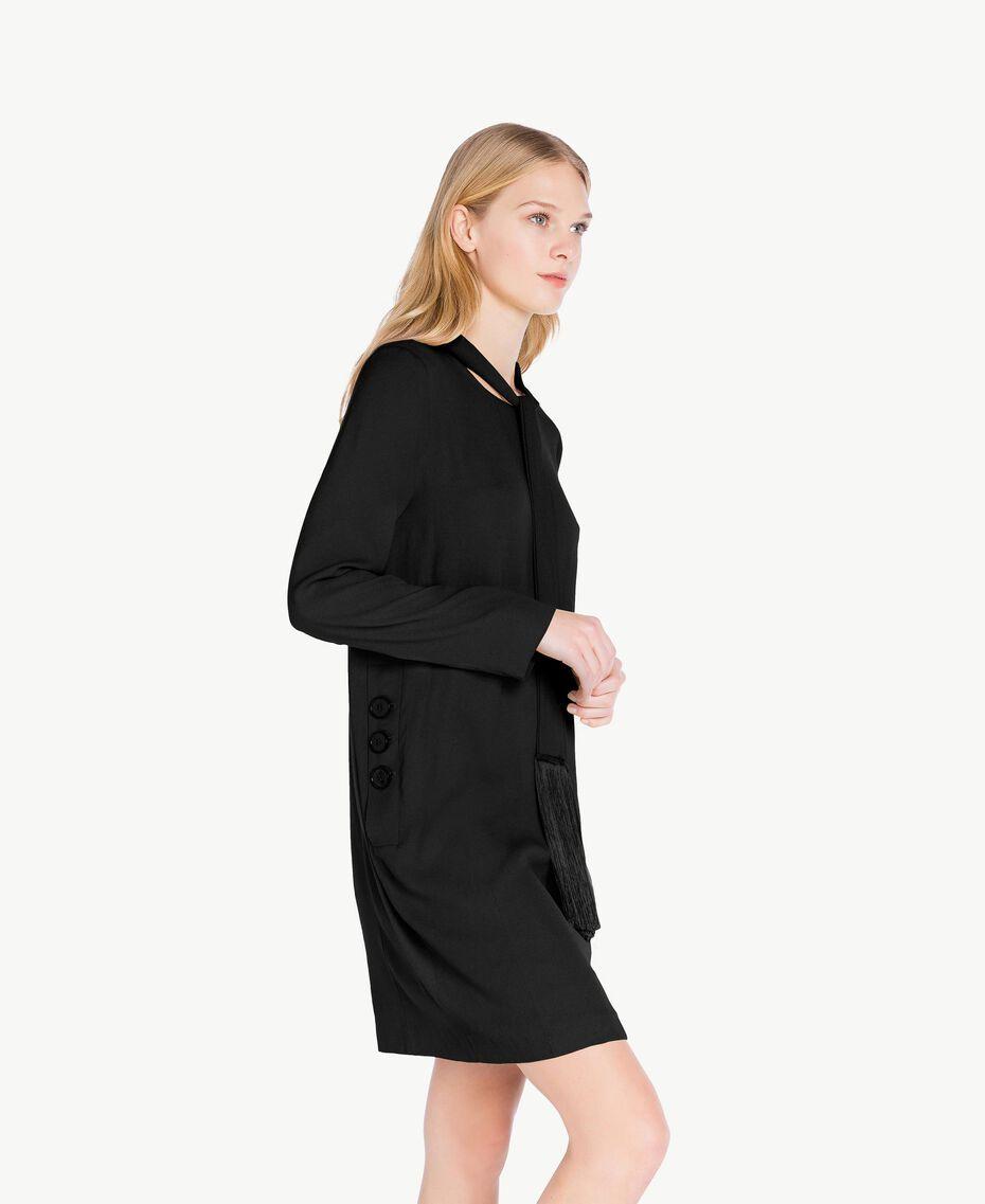Kleid mit Schärpe aus Cady Schwarz PA726G-02