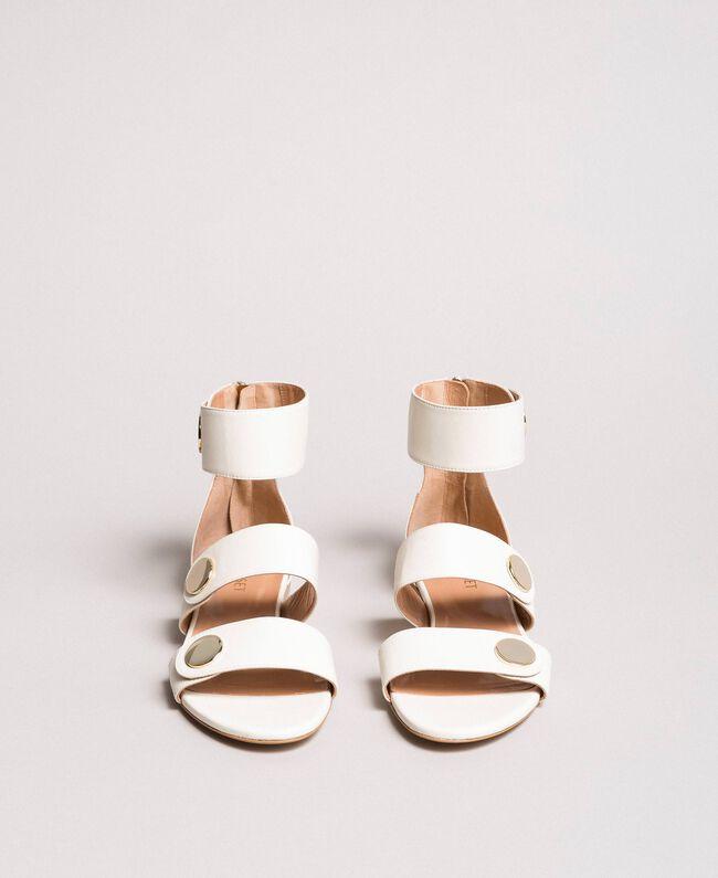 Sandale aus Leder mit Knöpfen Weiß Schnee Frau 191TCP094-04