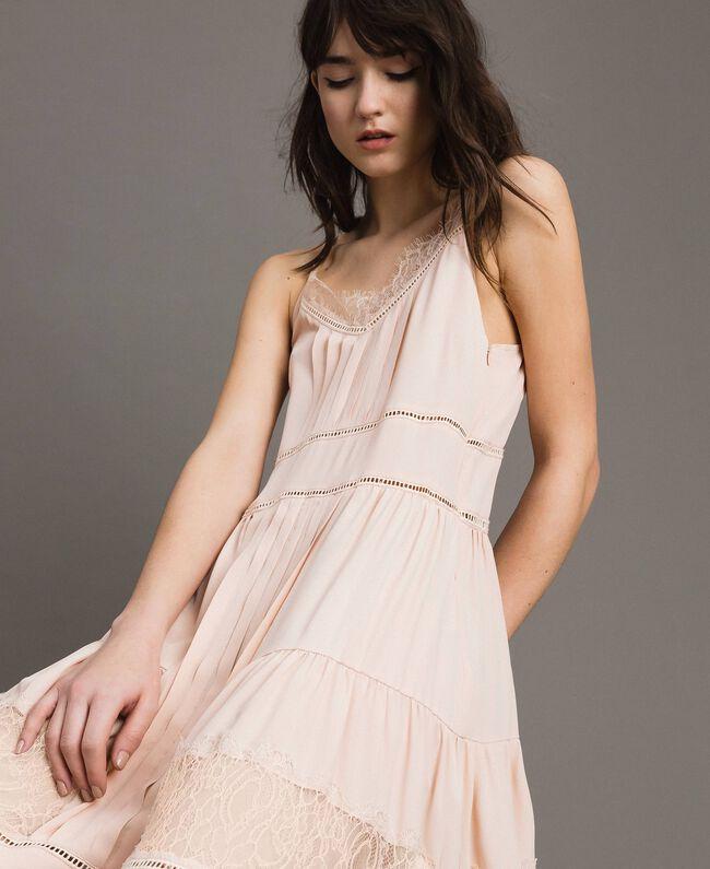 Kleid mit Spitze aus Seidenmischung Blütenknospenrosa Frau 191TP2741-04