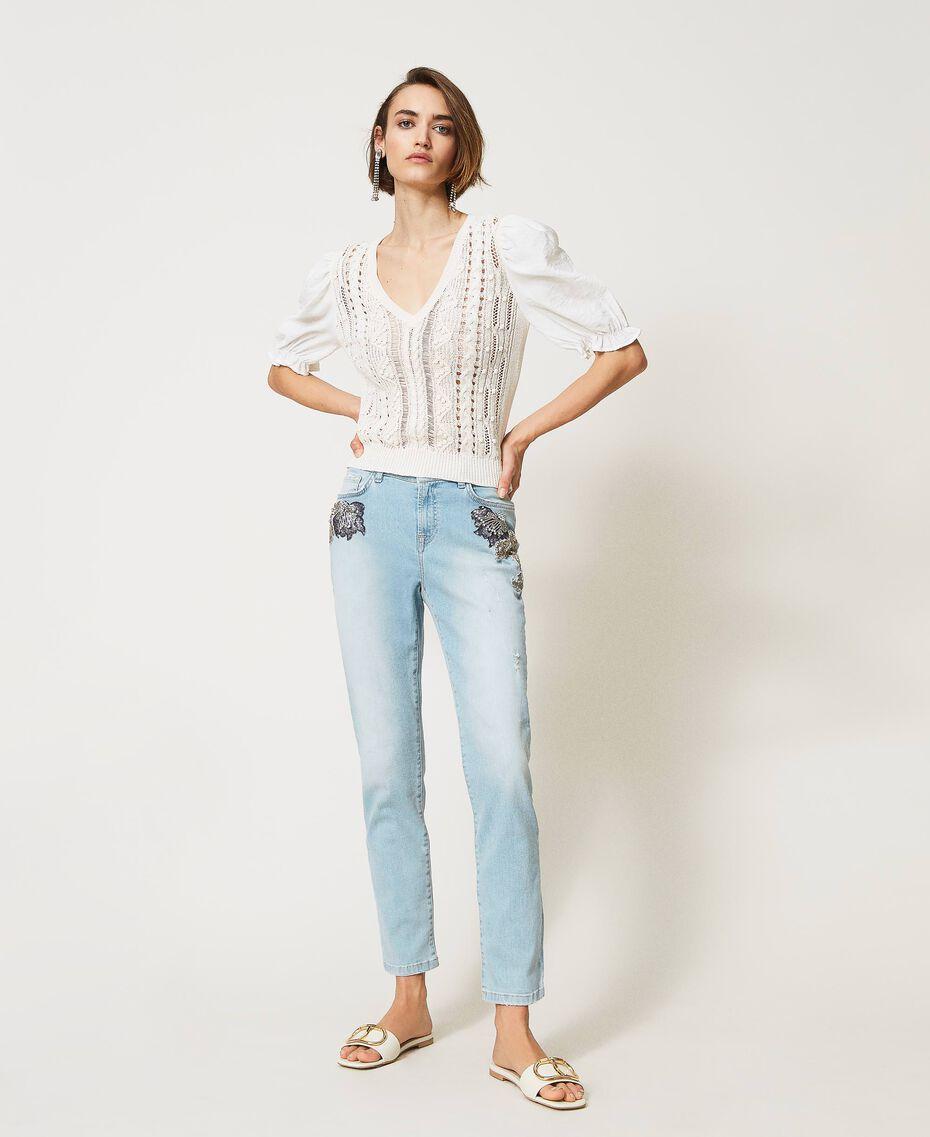 Boyfriend-Jeans mit Stick-Applikation Denim hell Frau 211MT2640-02