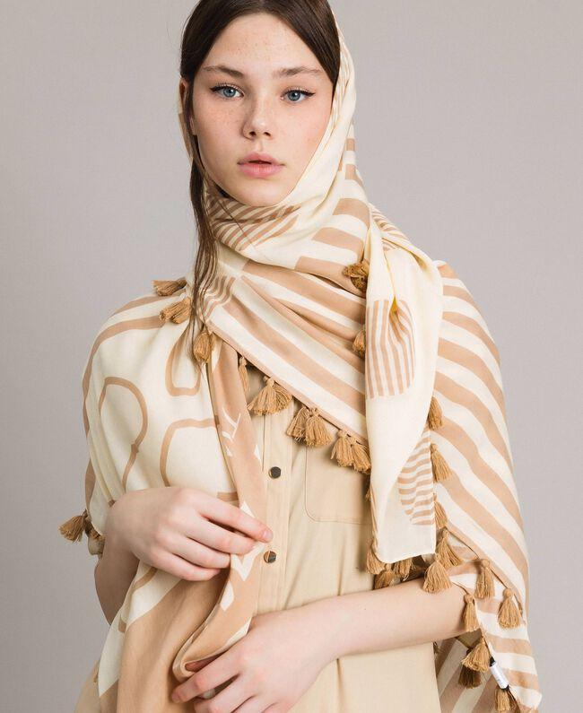 Viscose tassel hems keffiyeh,with print and logo White / Indigo Print Woman 191MA4302-0T