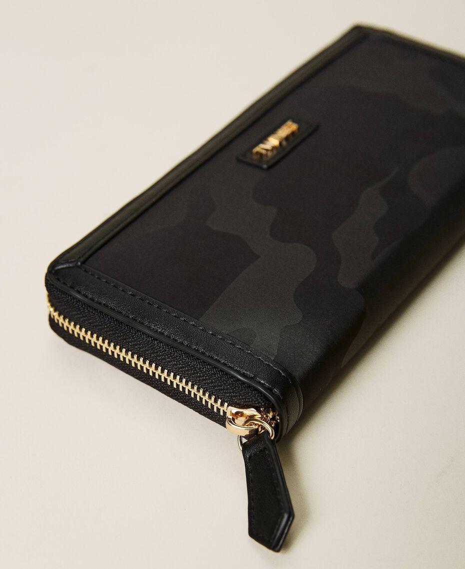 Portafoglio in satin jacquard camouflage Camouflage Nero Donna 212TB7276-02