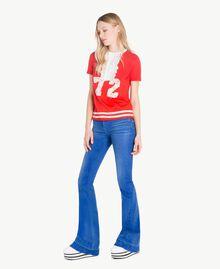 T-Shirt mit Rüschen Zweifarbig Feuerrot / Pergamentweiß Frau YS823L-05