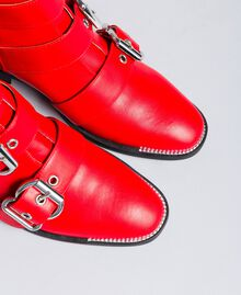Stivaletti con macro fibbie Rosso Papavero Donna DA8PHJ-04