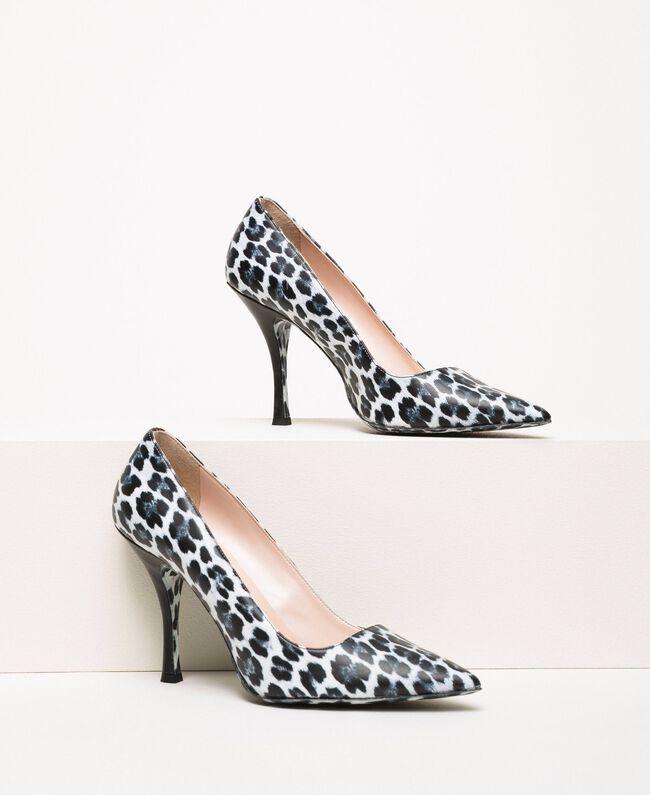 Animal print court shoes Lily Animal Print / Black Woman 201MCP01N-01