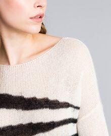 Maxi pull en mohair avec incrustation Bicolore Blanc Nacre / Noir Femme JA831A-04