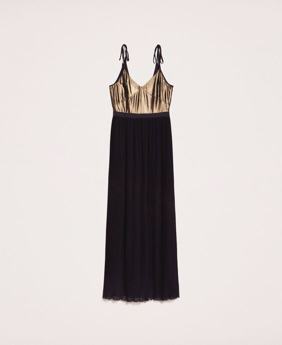 Long dress with pleated skirt