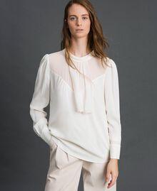 Bluse aus Crêpe de Chine und Georgette Weiß Schnee Frau 192TT2430-02