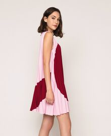 "Pleated crêpe de Chine dress Two-tone ""Crimson"" Red / ""Candy"" Pink Woman 201ST2011-03"