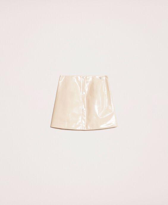 Minirock aus glänzendem Lederimitat