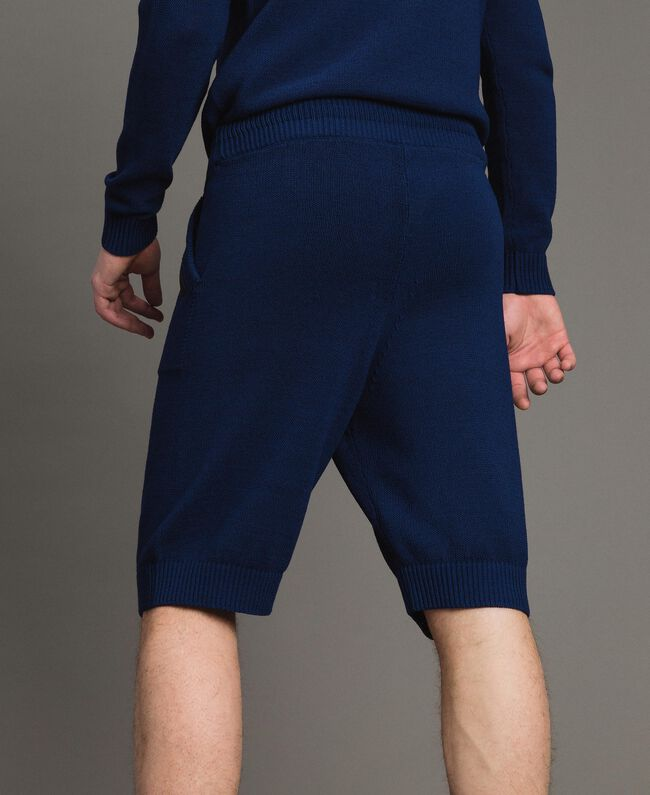 Bermuda-Shorts aus Baumwollmischung Blackout Blau Mann 191UT3084-03
