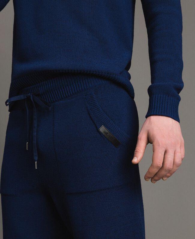 Bermuda-Shorts aus Baumwollmischung Blackout Blau Mann 191UT3084-04