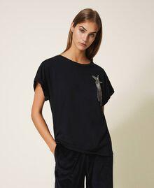 T-shirt avec étoile brodée Noir Femme 202TP246A-01