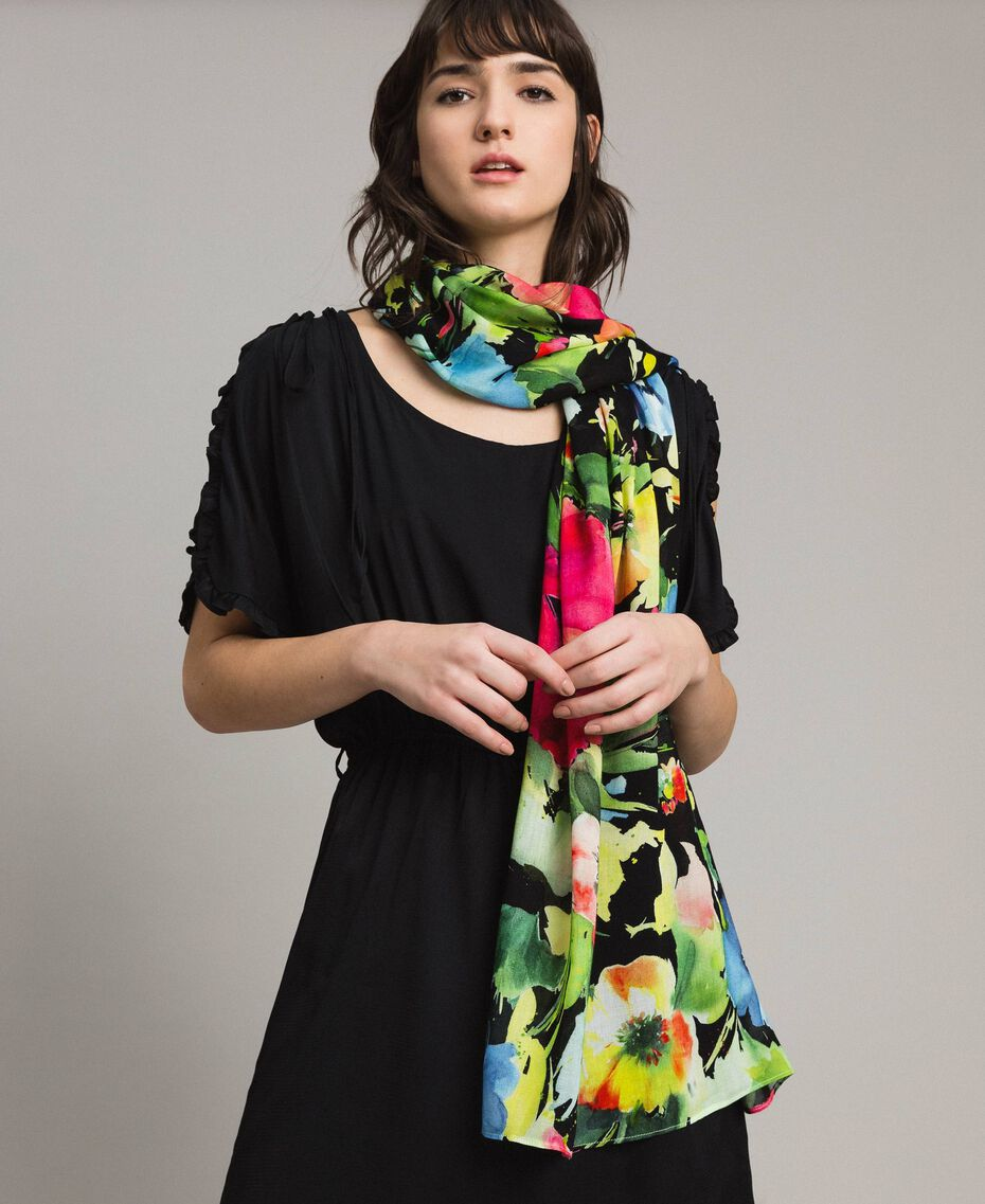 Floral print cotton and wool scarf Black Garden Print Woman 191TO530H-0S