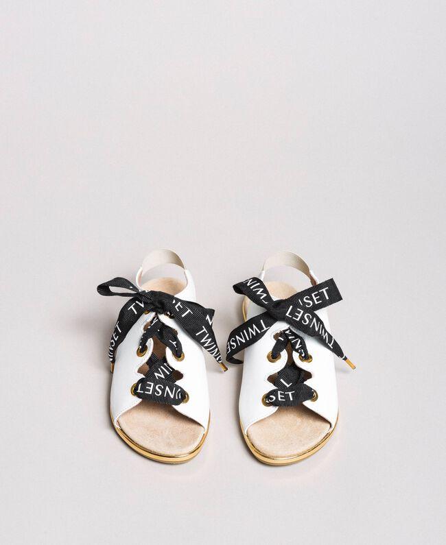 Sandalen mit Markenschnürung Weiß Kind 191GCJ012-04
