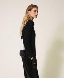 Pull en laine mélangée avec plissé Bicolore Noir / Blanc Neige Femme 202TT3051-05
