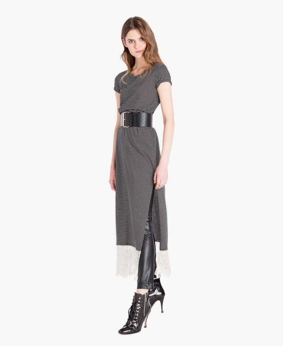 Langes Kleid mit Streifen Streifen Elfenbein / Schwarz Frau PS82H3-06