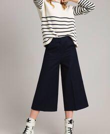 Cotton cropped trousers Deep Blue Woman 191TP2230-01