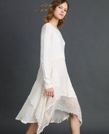 Robe en maille avec crêpe georgette et dentelle Blanc Neige Femme 192TT3081-02