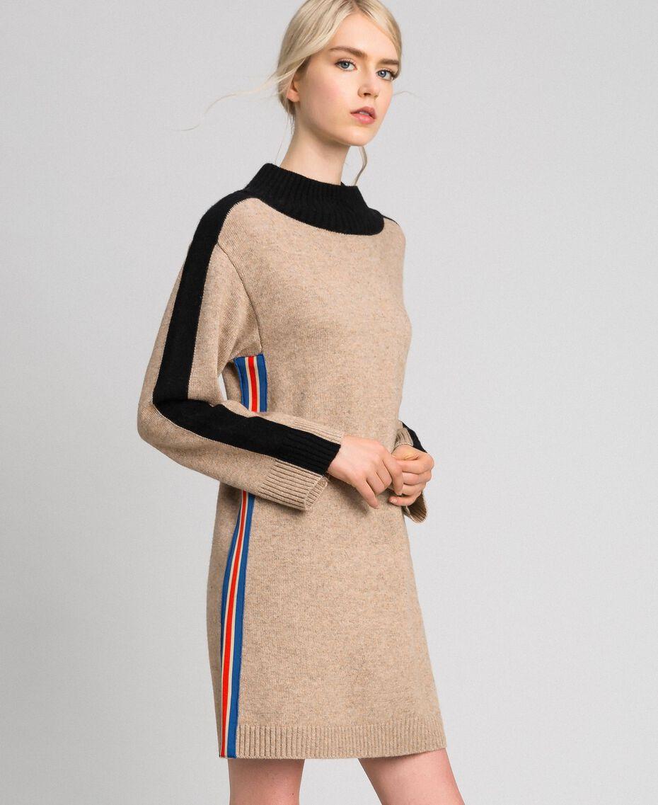 Kleid aus Kaschmirmischung Karamellcreme Frau 192MT3042-02