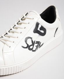 Sneakers in similpelle stampata Stampa Graffiti Ottico Donna 192MCP07A-05
