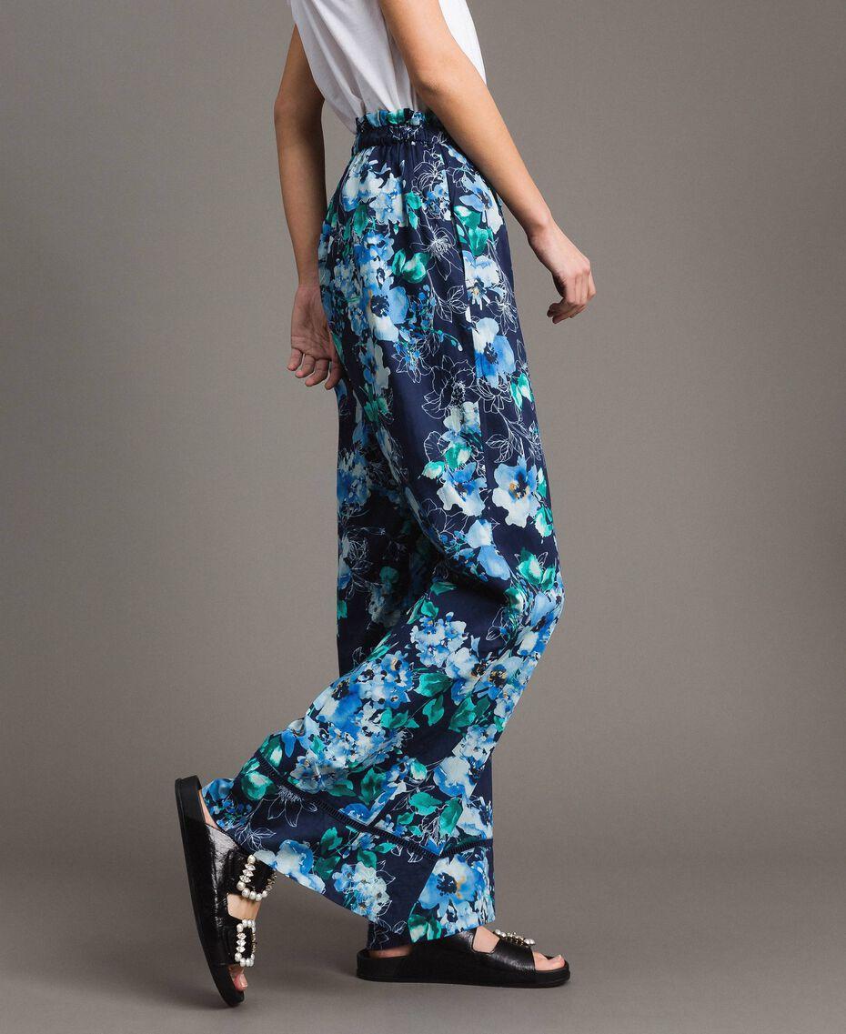 Pantalon palazzo avec imprimé floral Imprimé Fleur Multicolore Bleu Nuit Total Femme 191MT2293-02