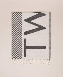 Jacquard beach towel with chevron motif Black Woman 201LM4ZBB-01
