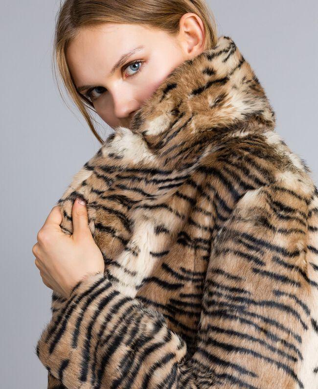 """Mantel aus bedrucktem Kaninchenfell Print """"Tiger"""" Frau TA82AN-04"""