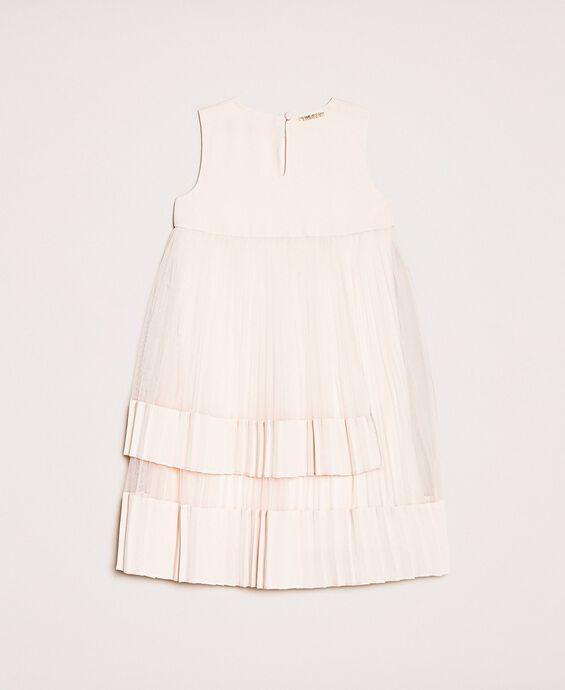 Платье из плиссированного тюля