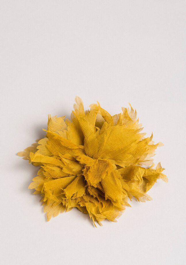 Broche de flor de seda