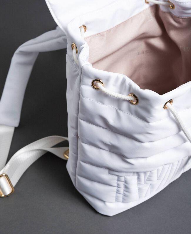 Sac à dos matelassé avec charms et logo Blanc Neige Femme 192TO8062-05