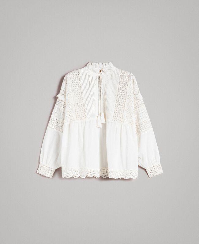 Bluse mit Lochstickerei und Volant Weiß Schnee Frau 191TT2040-0S