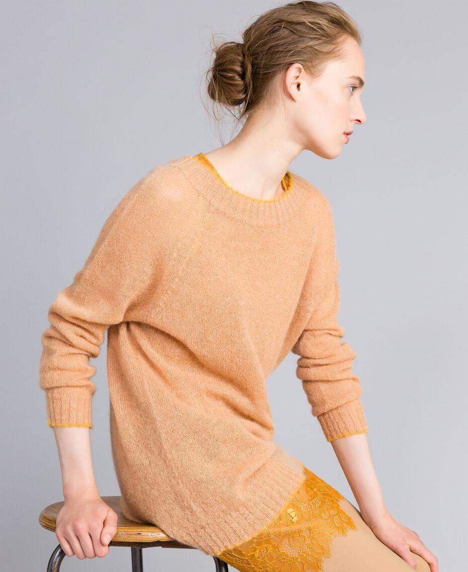 Maxi pull en mohair avec top en dentelle Bicolore Camel / Brandy Femme PA836B-02